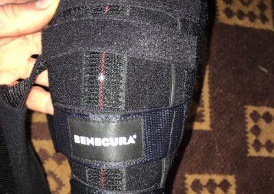 Kniebandage von Benecura Fachberatung für tierorthopädische Hilfsmittel Zauberhunde